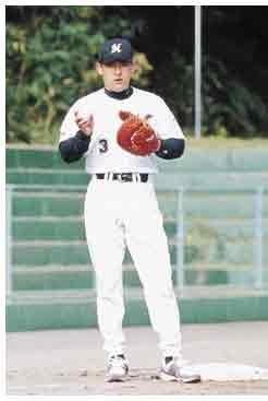 石井浩郎(35)=八郎潟町出身。パ・リーグの大砲として活躍を見せた近鉄から電撃の巨人入り。不本意